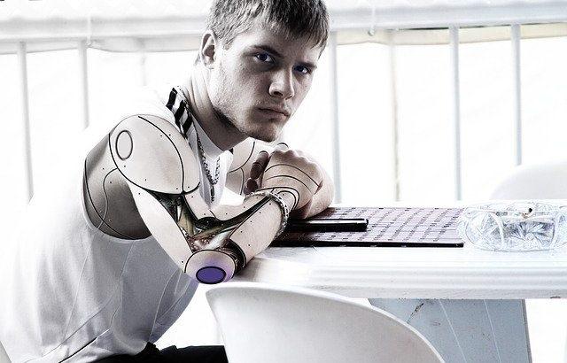 2020年トレンドになる知ったかぶりIT用語「人間拡張」